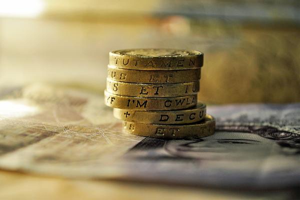 7 knygos apie finansus, kurias privalu perskaityti jaunystėje