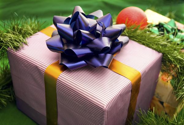 TYRIMAS: Kiek pinigų išleidžiame šventinėms dovanoms?