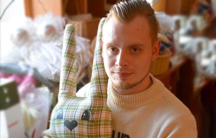 Rado priešnuodį blogai nuotaikai: išskirtinių lėlių siuvimą pavertė šeimos verslu
