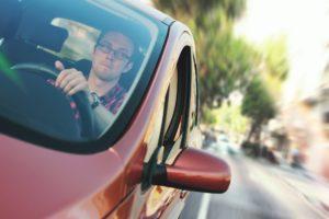 Išmanusis jauno vairuotojo asistentas ir pagalbininkas